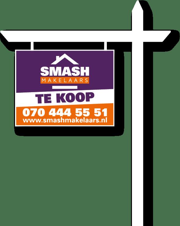 Huis te koop bord van SMASH Makelaars